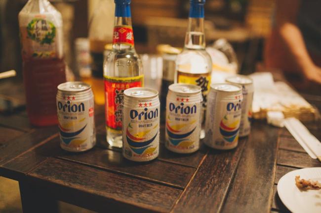乾杯前のオリオンビール
