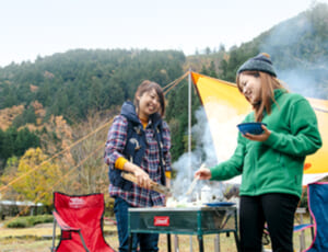 美山自然文化村 河鹿荘 バーベキューの様子