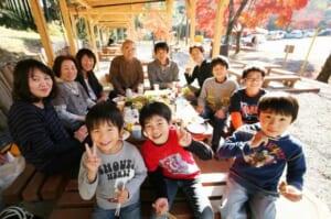 嵐山高雄パークウェイ 木立のバーベキューコーナー